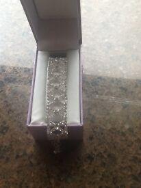 Beautiful ladies diamanté braclet