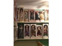 Porcelains dolls leanardo and knightbridge 99 in total