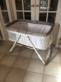 BRAND NEW IN BOX HAUCK BEDSIDE ROCKING CRIB DREAMER crib like moses basket in DOTS SAND UNISEX