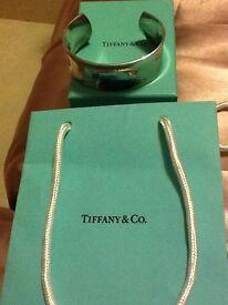 Tiffany 1837 wide cuff in sterling silver.
