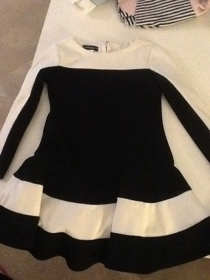 **KATE MACK BLACK AND WHITE DRESS AGE 4 PERFECT CONDITION**
