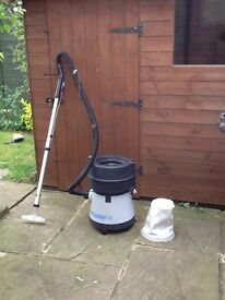 Hoover Aquamaster Wet andDry.
