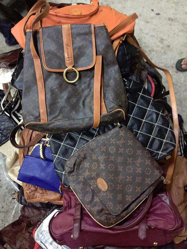 Grade A Second Hand Handbags Whol In Quany Contact 07517 792963