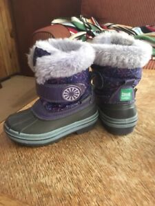 Toddler size Cougar snow boots!