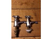 vintage effect bath taps