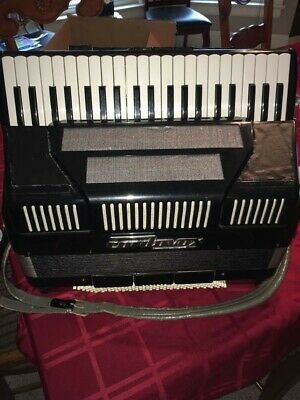 Accordion Cordovox model CG6M Refurbished Used