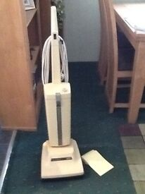 Electrolux upright vacuum cleaner. fully working.