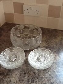 Vintage glass bowl and 6 glass dishes