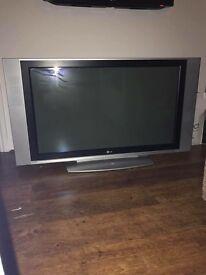 LG 42in screen TV