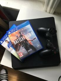 PS4 SILM, comes with Fifa 15 and battlefield, 1 controller