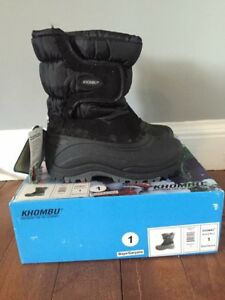 NEW size 1 KHOMBU winter boots