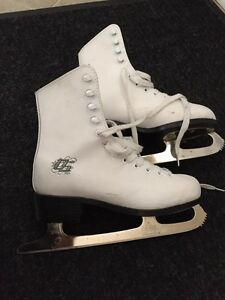 Figure skates - youth size 3
