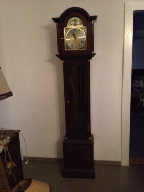 englische standuhr mit westminster gong in brandenburg pr tzel kunst und antiquit ten. Black Bedroom Furniture Sets. Home Design Ideas