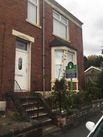 2 bedroom upstairs flat, Old Durham Road very close to Saltwell Park