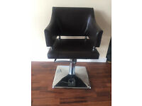 salon chairs / hair styling chairs