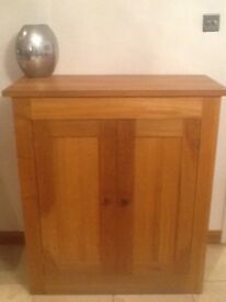 Solid Oak, Two Shelf Cupboard from Hotwells Pine, Excellent Condition.