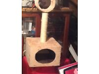 Super, as new, cat scratching post