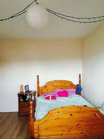 3 rooms available (ASAP) in sharing house. 15min walk to city centre. £60-£90 per week.