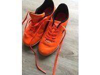 Boys diadora turf type football trainers size 1