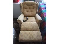 Electric Lift and Rise Chair with remote. Good condition and in working order.
