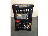 18 piece ratchet tool set, new