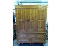 Wardrobe for sale (triple 3 door with 5 drawers beneath ) Excellent quality