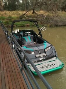 ski wake boat Shell Cove Shellharbour Area Preview