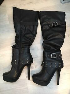Boots - size 6