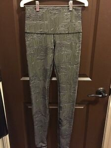 Lululemon high times tight size 6