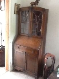 Lovely old oak cabinet with leaded glass