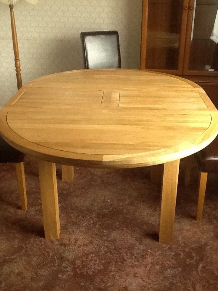 Solid oak extendable dining room table and 4 chairs in  : 86 from www.gumtree.com size 720 x 960 jpeg 103kB