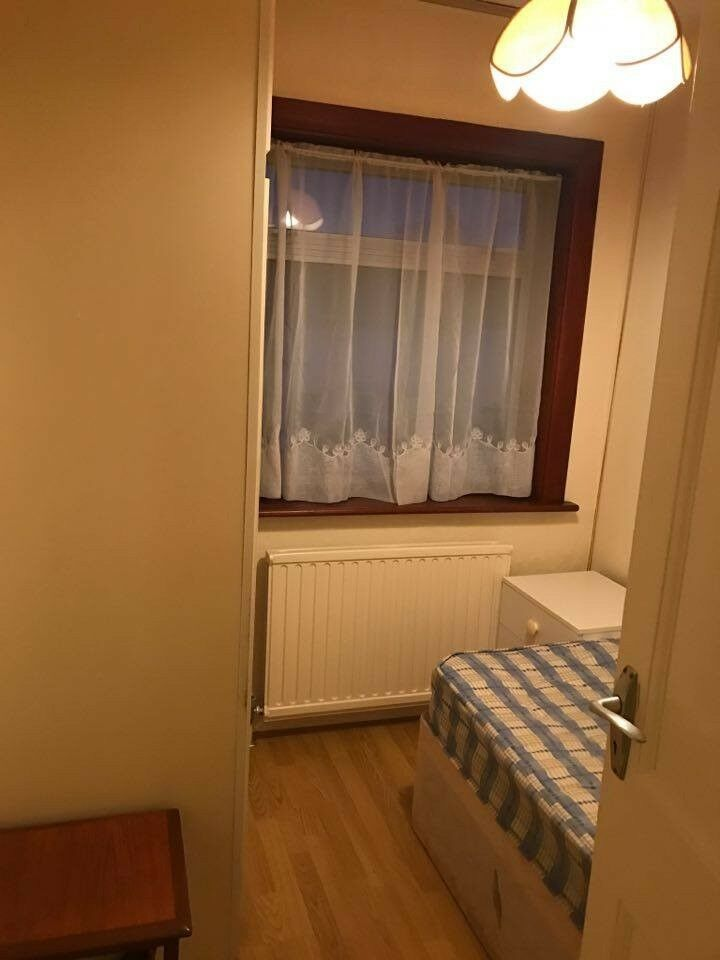 SINGLE ROOM TO LET IN HENDON CENTRAL!!