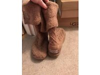 GENUINE UGG LATTICE KNITTED BOOTS SIZE 5.5