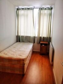 *SINGLE ROOM TO RENT IN PlAISTOW - GREAT LOCATION - CALL ME NOW*
