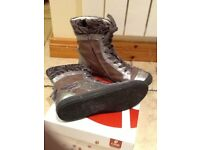 Girls GBB boots - like new (size 13 /Eur 32) (£70 new)