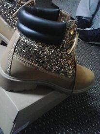 Timberland glitter boots