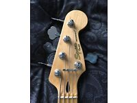 5 Strings Bass Squier by Fender Precision