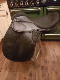 """Griffin 16.5"""" medium saddle"""