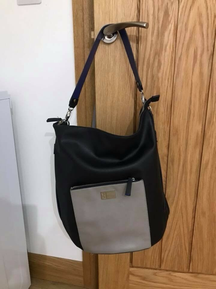 ae1a62619b73 Large Navy BETTY JACKSON shoulder bag