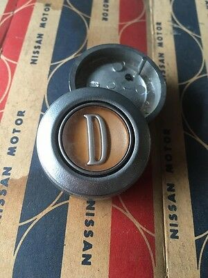 "DATSUN GX ""D"" Horn Button Steering Wheel Horn Cap Genuine Nos Japan"
