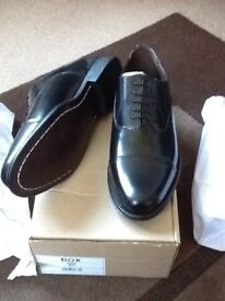 Clifford James 91/2 black shoes