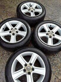 "16"" Mazda alloy wheels (335)"