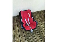 Quinny Buzz and maxi Cosi Car Seat includes rain cover and Cosi toes
