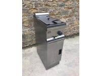 SINGLE FRYER BY LINCAT STAINLESS