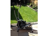 Cross trainer on excellent condition