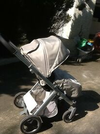 The BabyStyle Oyster 2 pushchair and carrycot in very good cond. bought for £500.
