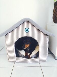 Plush dog house with detachable washable roof Merrimac Gold Coast City Preview