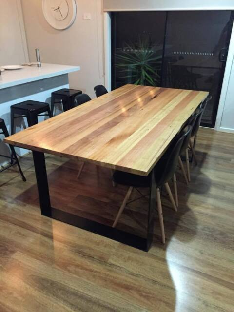 Solid timber dining table on metal legs dining tables for Gumtree beauty table