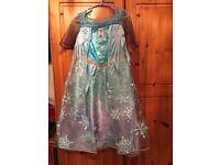 Dress up costumes Elsa