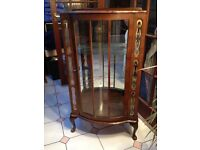 BEAUTIFUL WOODEN DRINKS/DISPLAY CABINET WITH PAINTED GLASS PANELS